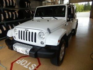 2013 Jeep Wrangler Unlimited Sahara Clean 4x4