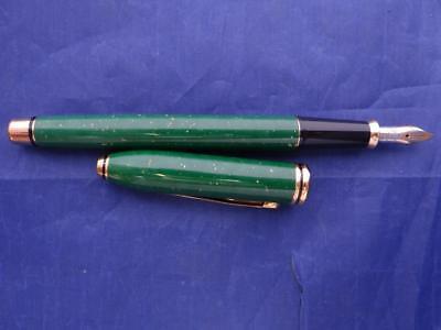 Cross Jade Fountain Pen Jade 18Kt Gold  Medium Pt New In Box Rare Beauty