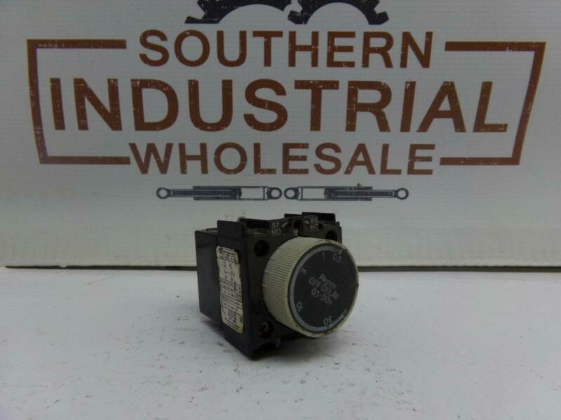 Schneider Electric LA3-D22 0.1-30s Time Delay Relay Module