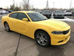 2017 Dodge Charger SXT- AWD, Push Start!!