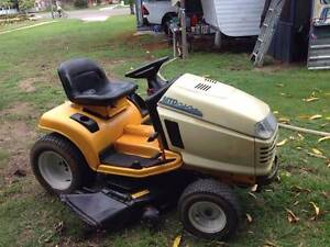 MTD cub cadet series 2000 ride on mower Bowen Whitsundays Area Preview