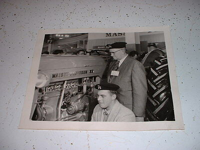 VINTAGE MASSEY FERGUSON 85 TRACTOR DEALER EXHIBITION FARM SHOW 8 X 10 PHOTO