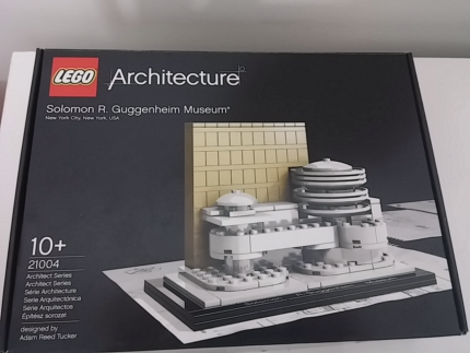 Lego 21004 Solomon Guggenheim musuem