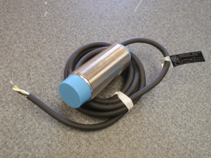 General Electric CR215DB30UA2HB Proximity Sensor *NEW*