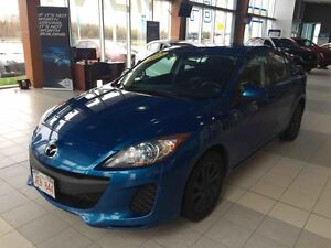 2013 Mazda MAZDA3 GS-SKY 6-Speed Automatic! Excellent Fuel Effic