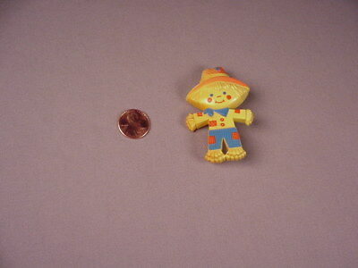Vintage Avon Halloween plastic Pin Scarecrow 1975 Fragrance Glace Peter Patches - Avon Halloween