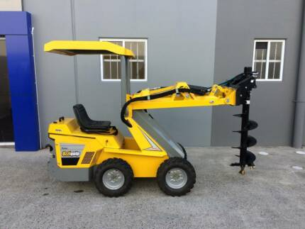 Puma Mini Loader with Fencers Delivery AU Wide