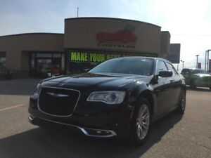 2016 Chrysler 300 Touring NAVI, PANO ROOF, R-MOTE START H-TED SE
