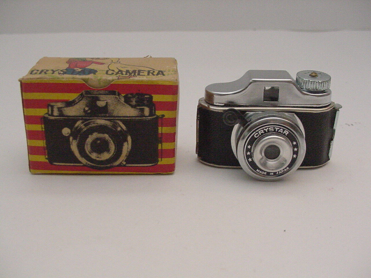 Vintage Crystar Miniature Camera And Box Made In Japan Untested - $18.00