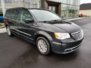 2015 Chrysler Town & Country TOWN & COUNTRY