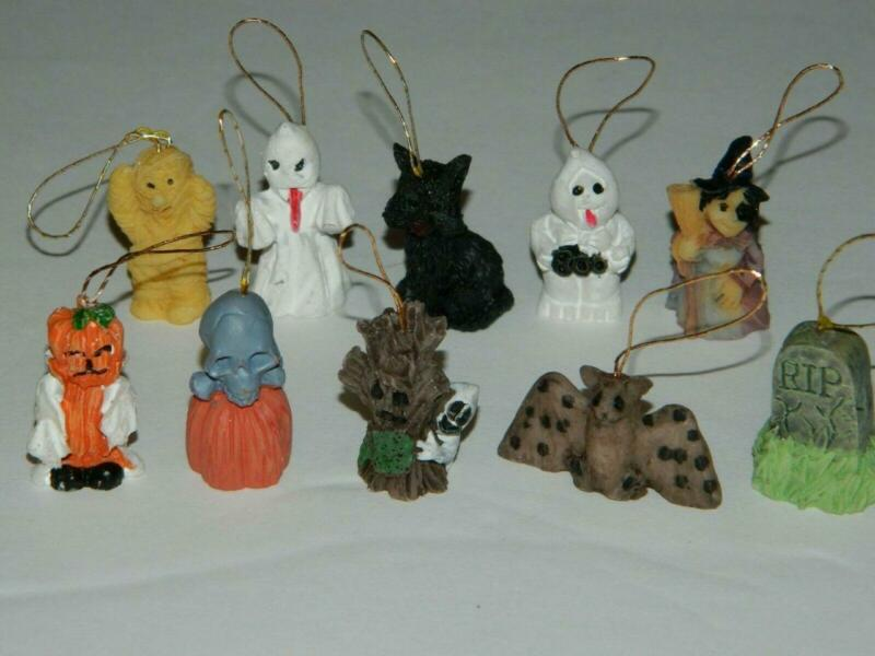Halloween Mini Ornaments Resin Tree Decorations Ghost Bat Scarecrow Mummy Set/20