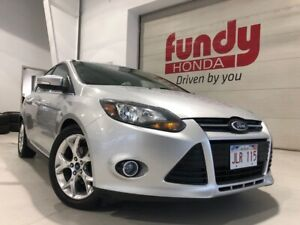 2014 Ford Focus Titanium w/leather and loaded features GREAT CON