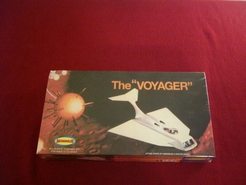 """"""" THE VOYAGER """" MOEBIUS MODEL KIT NEW IN BOX"""