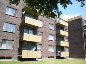 1 Bdrm. unit - Heating & hot water incl.  VSL- 514-400-6623