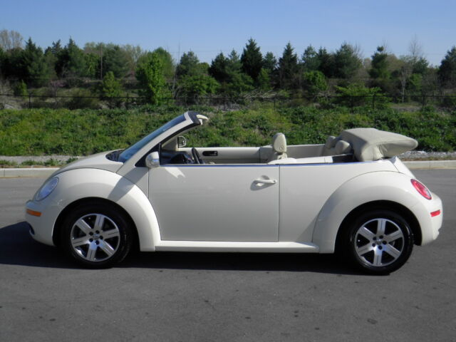 2006 vw new beetle convertible automatic 130k new tires leather trim alloy wheel used. Black Bedroom Furniture Sets. Home Design Ideas