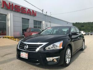2015 Nissan Altima SL Leather, Heated Seats, Back Up Cam!