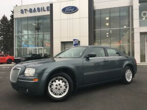 2005 Chrysler 300 300   3.5L Low KM!