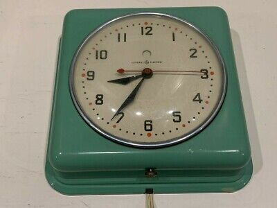 Vintage GE Electric Kitchen Wall Clock, Green, Model 2HO8, 40's-50's, Works