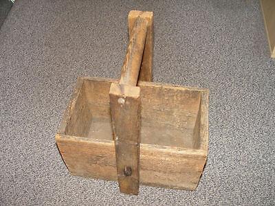 Uralter Holzkasten Holzkiste für große Gewichte Transport