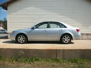 2008 Hyundai Sonata AUTO WITH ALLOYS & MOONROOF