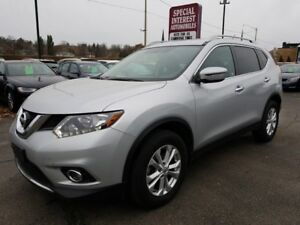 2016 Nissan Rogue SV CLEAN CAR PROOF !! SUNROOF !! AWD !!