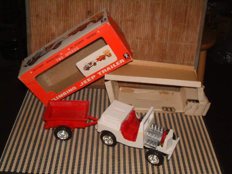 BANDAI B/O 4~WHEEL DRIVE GEAR SHIFT JEEP W/TRAILER NO. 4234 W/BOX! WORKS PERFECT