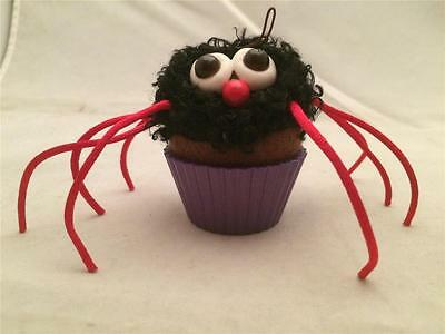 2014 HALLMARK ORNAMENT ITSY BITSY CUPCAKE - SPIDER HALLOWEEN FUN (Fun Halloween Cupcakes)