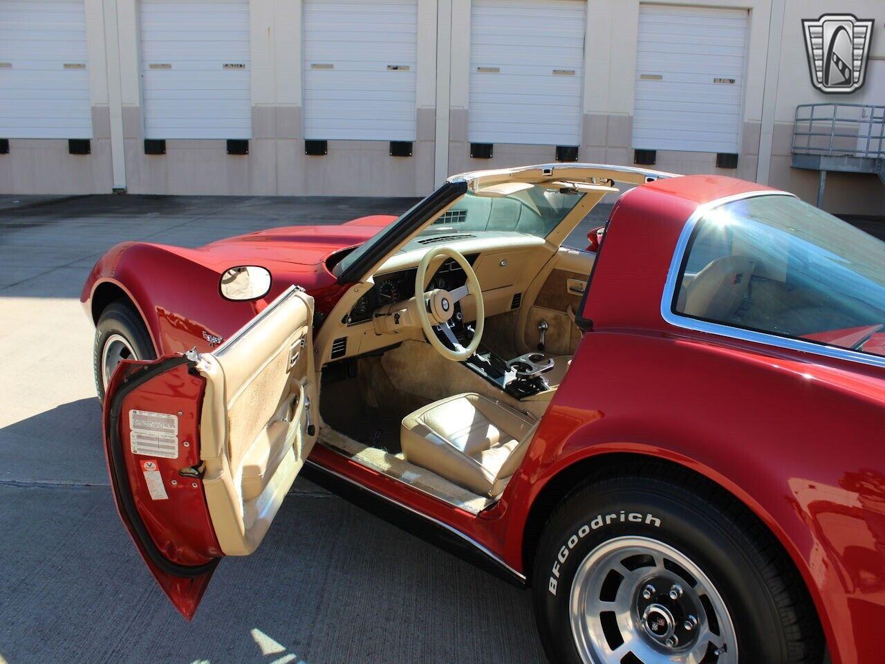 1978 Red Chevrolet Corvette   | C3 Corvette Photo 7