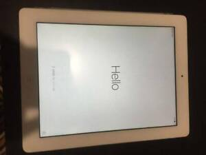 iPad 3rd Generation 32GB Cellular   Smart Cover and Case