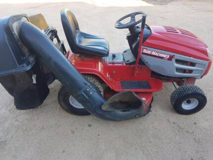 Ride on Mower with Catcher - V Twin