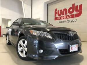 2011 Toyota Camry SE w/heated front seats, power driver seat NEW