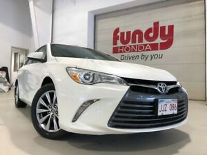 2015 Toyota Camry XLE w/leather, power seat, sunroof ONE LOCAL O