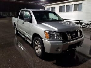 2007 Nissan Titan 4X4 CREW CAB - V8 LOADED! LEATHER - CERTIFIED