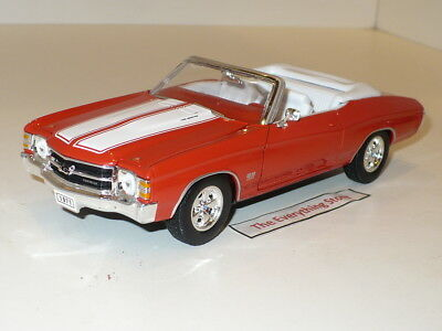 - WELLY CHEVY CHEVELLE SS 454 CONVERTIBLE 1:24 RED WHITE STRIPES USA FREE SHIP