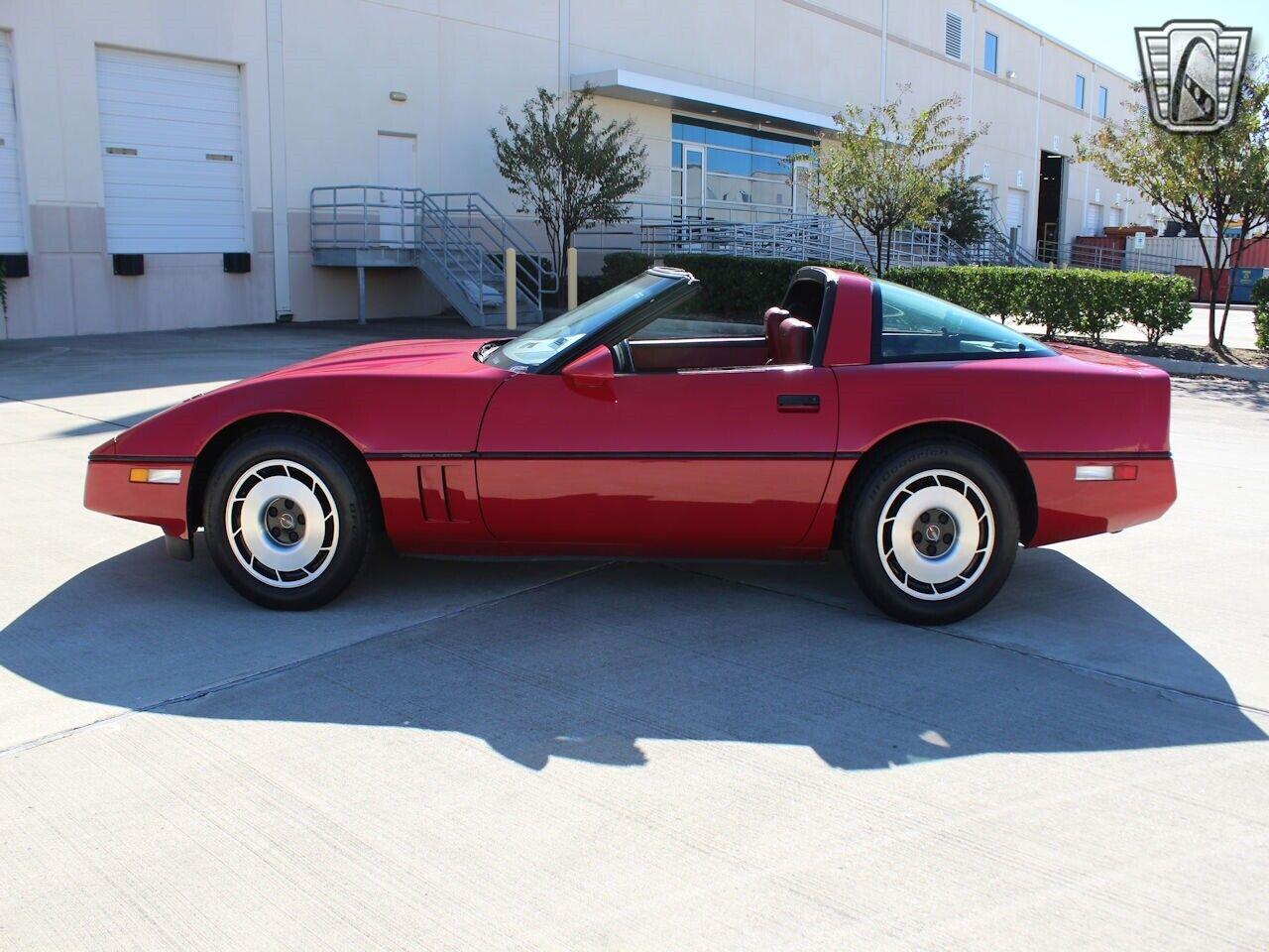 1984 Red Chevrolet Corvette     C4 Corvette Photo 4