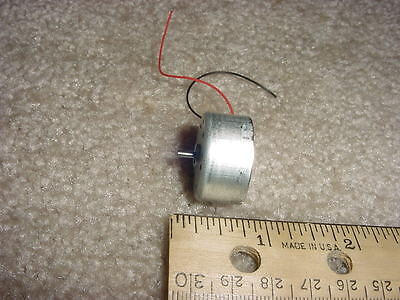 Small Dc Electric Motor 1- 3 Vdc 2400 Rpm 4.3 G-cm M26