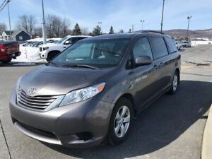 2017 Toyota Sienna LE 8 PASSAGERS SIEGES CHAUFF BLUETOOTH CAM RE