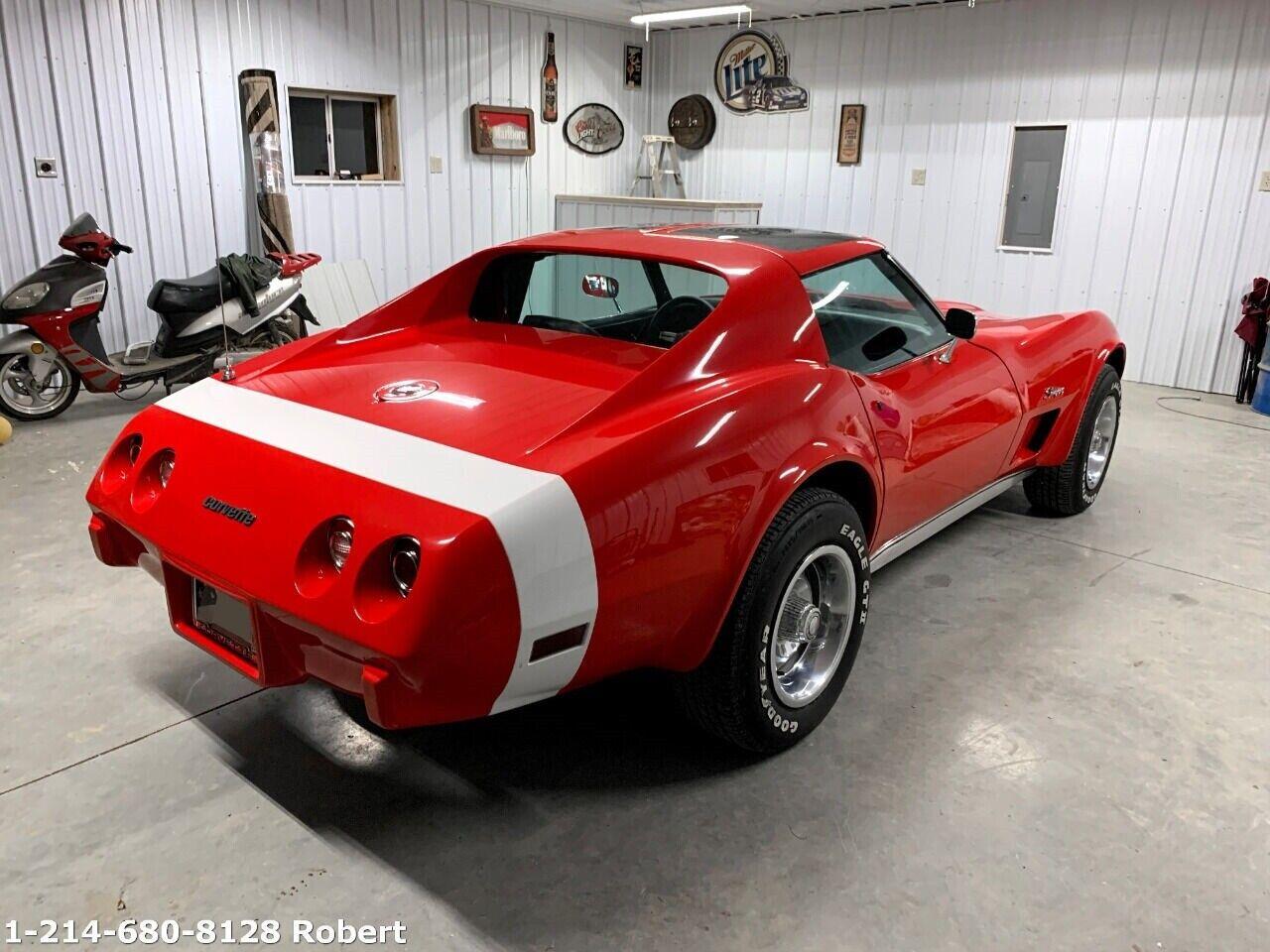 1976 Red Chevrolet Corvette     C3 Corvette Photo 4