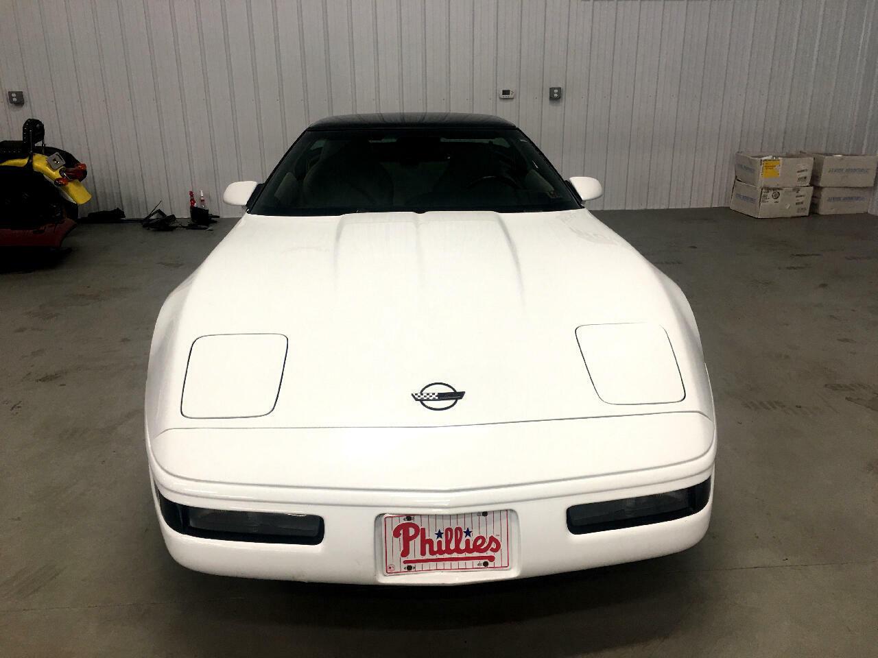 1994 White Chevrolet Corvette Coupe    C4 Corvette Photo 4