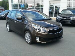 2014 Kia Rondo EX 7 Passenger. Leather seats. Maintenance record