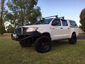 2012 Toyota Hilux Ute SR Dual cab, dual Elockers, lifted, 33s Watsonia Banyule Area Preview