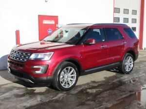 2017 Ford Explorer LIMITED AWD ~ 35,000kms ~ Leather ~ $34,999