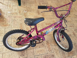 Girls bike ages 5-8 Thornlie Gosnells Area Preview