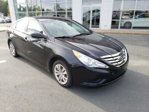 2013 Hyundai Sonata GL. Heated seats, trade in. New MVI.