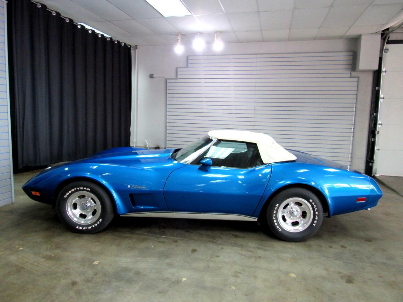 1974 Blue Chevrolet Corvette Convertible  | C3 Corvette Photo 3