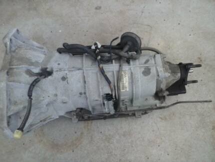 COMMODORE VZ SV6 V6 TRANSMISSION ONLY 5SPEED AUTO COMPLETE