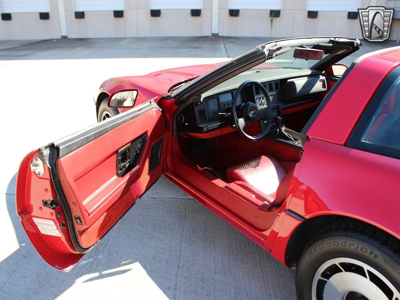1984 Red Chevrolet Corvette     C4 Corvette Photo 7