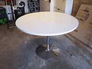Dining table, round, high-gloss white Lilyfield Leichhardt Area Preview