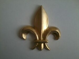 Decorative-Resin-Moulding-Fleur-De-Lys-Gold-Painted-Finish