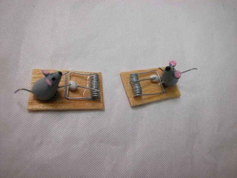 Dollhouse Miniature 1:12 Scale 2 pcs mouse with trap set  #Z228